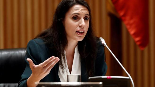 La ministra de Igualdad, Irene Montero, en la Comisión de Reconstrucción, en el Congreso.