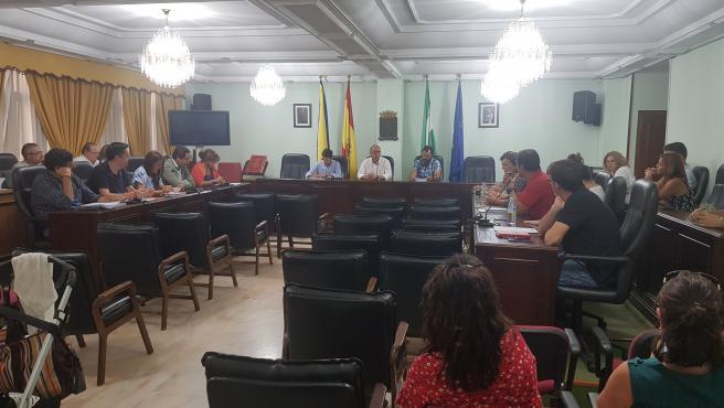 Pleno del Ayuntamiento de San Juan de Aznalfarache (Sevilla) en una imagen de archivo
