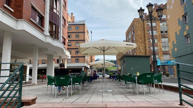 Una terraza de Oviedo en el primer día de la Fase 1 de la desescalada por la crisis de la COVID-19. Oviedo, 11 de mayo de 2020.