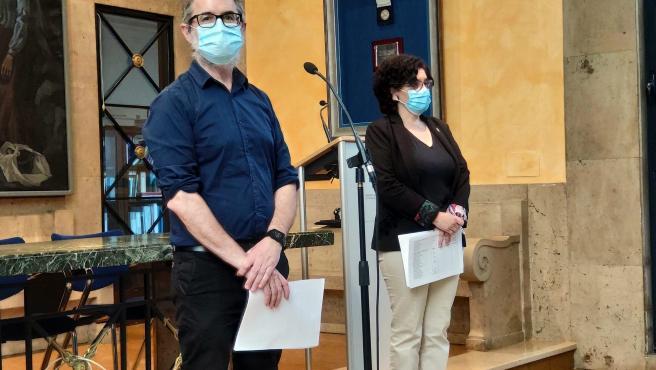 El DG de Salud Pública, Rafael Cofiño, y la DG del Sespa, Concepción Saavedra, en rueda de prensa.