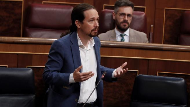 El vicepresidente segundo del Gobierno, Pablo Iglesias, durante su intervención en la sesión de control.