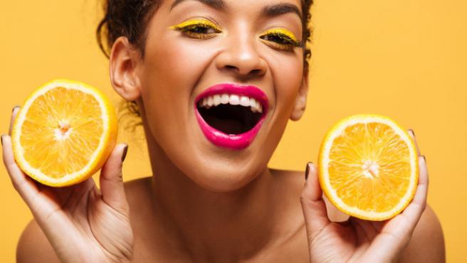 Los colores estridentes, como naranjas y amarillos, cobran mucha fuerza.