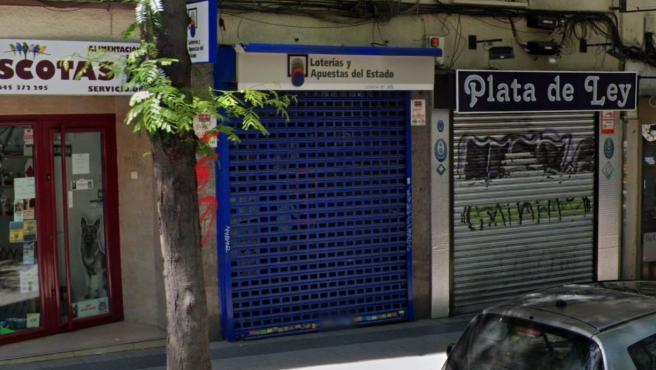 Exterior de la administración de Loterías número 345 de Madrid.
