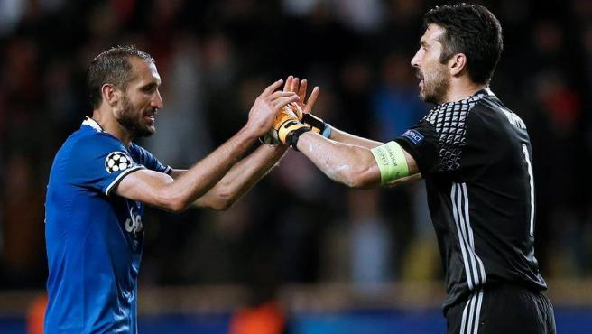 Chiellini y Buffon