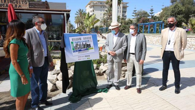 Presentación del cupón de la ONCE del próximo sábado dedicado al espeto de sardinas