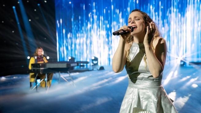 ¿Cantan de verdad Rachel McAdams y Dan Stevens sus canciones en 'Eurovisión: La historia de Fire Saga'?