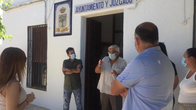 Visita de los sociaolistas a El Madroño