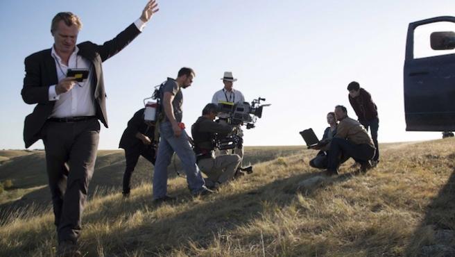 ¿Por qué no hay sillas en los rodajes de Christopher Nolan?
