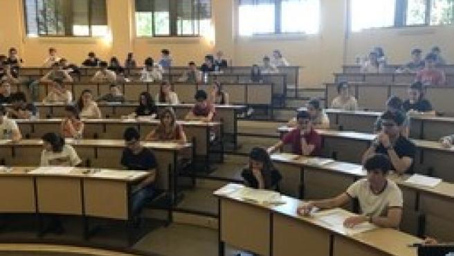 Alumnos en las pruebas EBAU