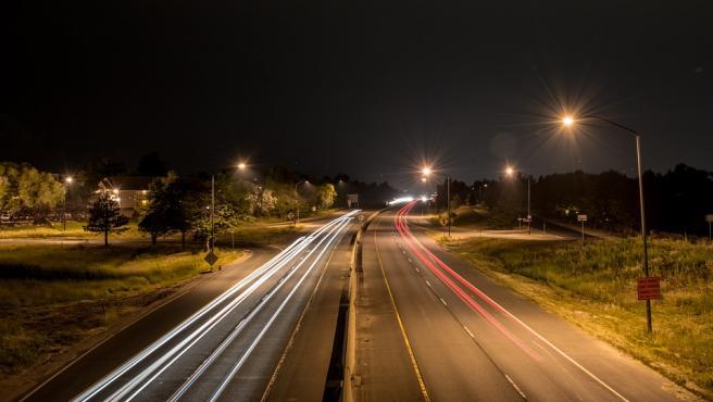 Conducir de noche empeora la visibilidad y la capacidad de reacción.