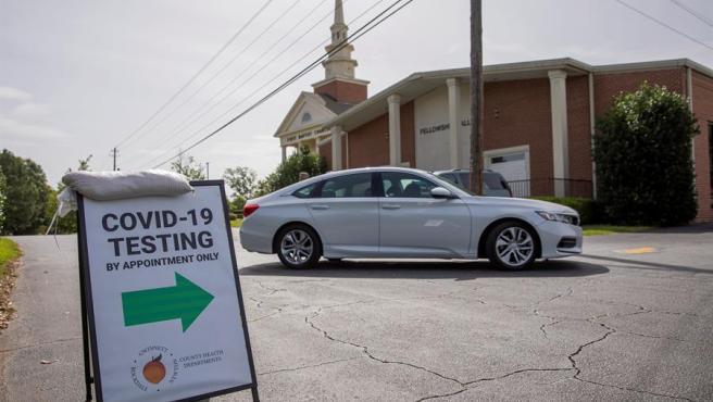 Un centro para la realización de pruebas de COVID-19 habilitado en una iglesia de Lilburn, Georgia (EE UU).