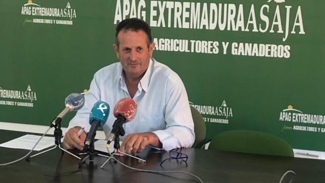 El presidente de APAG Extremadura Asaja, Juan Metidieri, en rueda de prensa