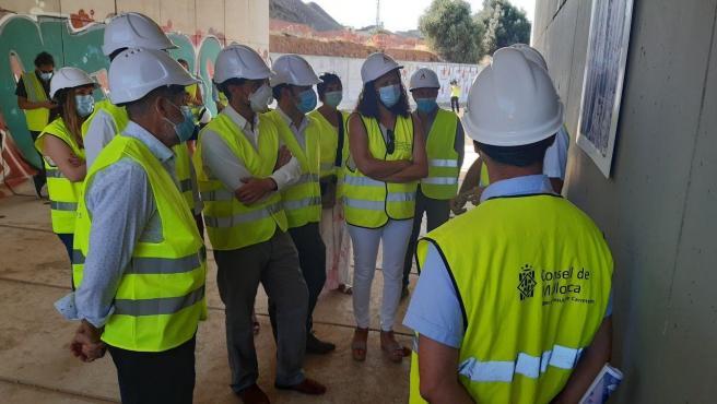 Las autoridades, durante la visita a las obras entre Palma y Marratxí.
