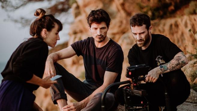 Andrés Velencoso dirige y protagoniza un vídeo promocional