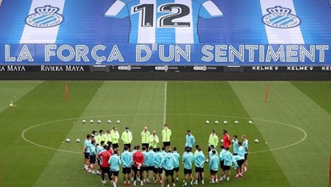 Entrenamiento del Espanyol en su estadio.