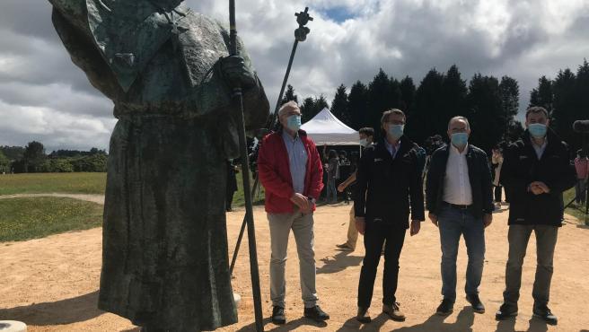 Feijóo, Bugallo y Román Rodríguez en la reapertura de los caminos de Santiago