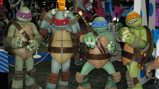 Las Tortugas Ninja en el stand de Nickelodeon. Foto William Tung. Wikimedia Commons