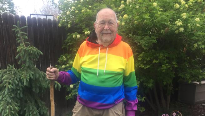 Kenneth Felts, el anciano de 90 años que por fin ha salido del armario con su familia.