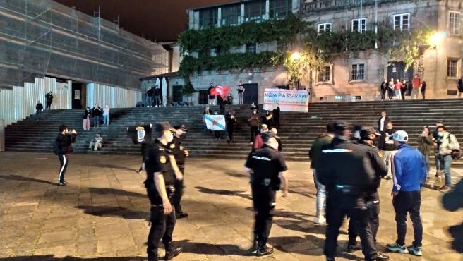 Un grupo trata de boicotear el acto de Vox en el arranque de la campaña de las gallegas