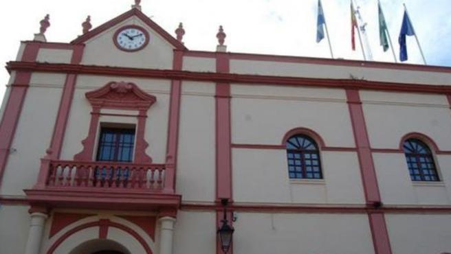 Fachada principal del Ayuntamiento de Alcalá de Guadaíra (Sevilla)