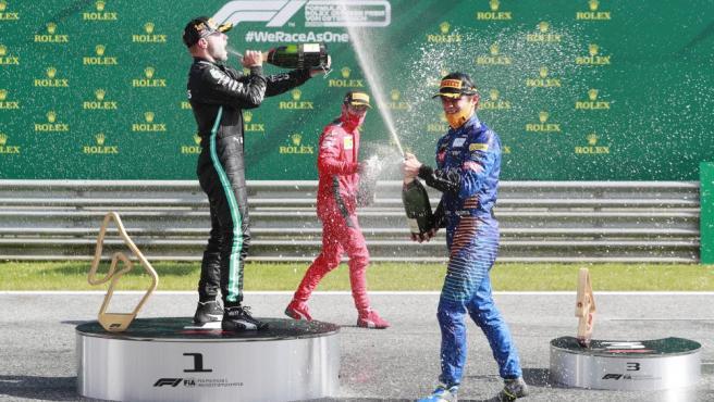 Valtteri Bottas, Charles Leclerc y Lando Norris celebran el GP de Austria