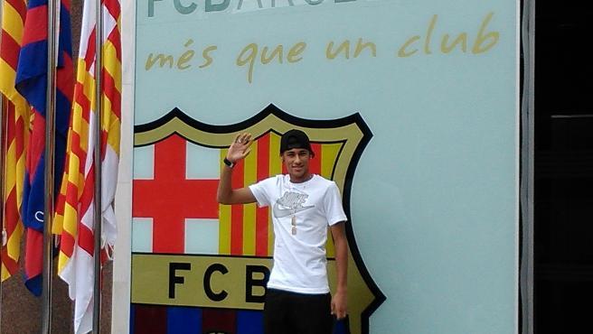 El jugador del FC Barcelona Neymar a su llegada a oficinas