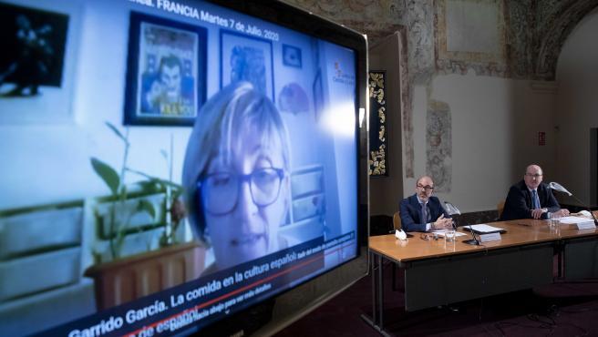 Javier Ortega presenta en rueda de prensa las acciones de promoción del español