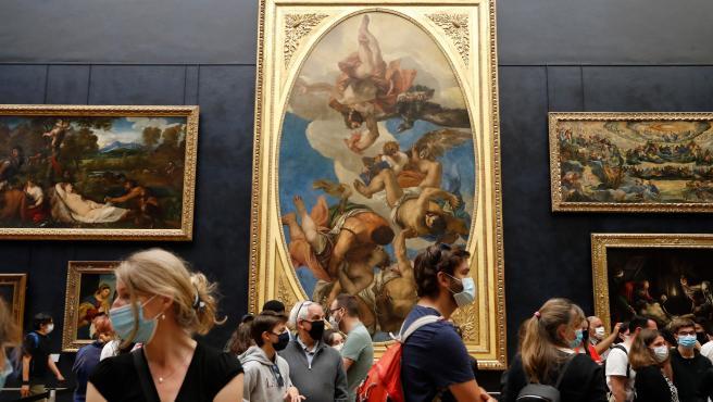 Louvre Museum reopens in Paris