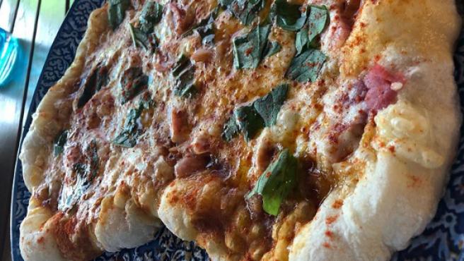 Pizza de lacón y Arzúa-Ulloa de Chicote.