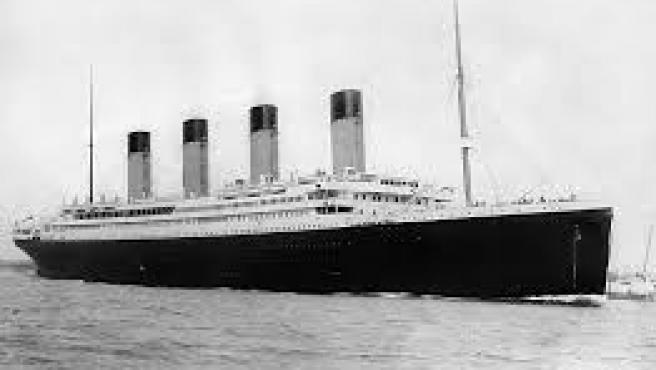 RMS Titanic saliendo de Southampton el 10 de abril de 1912. Foto FGO Stuart. Wikimedia Commons