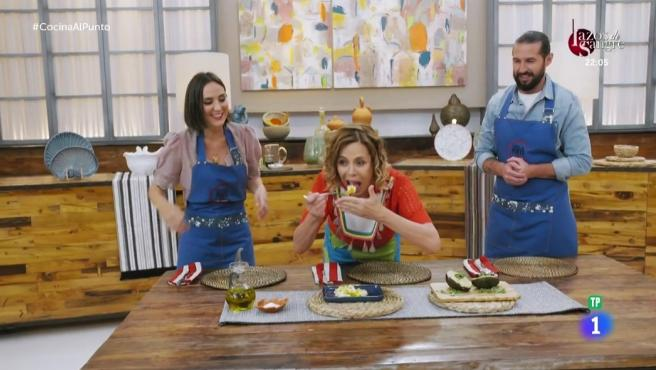 Agatha Ruiz de la Prada invitada al programa de cocina de Tamara Falcó.