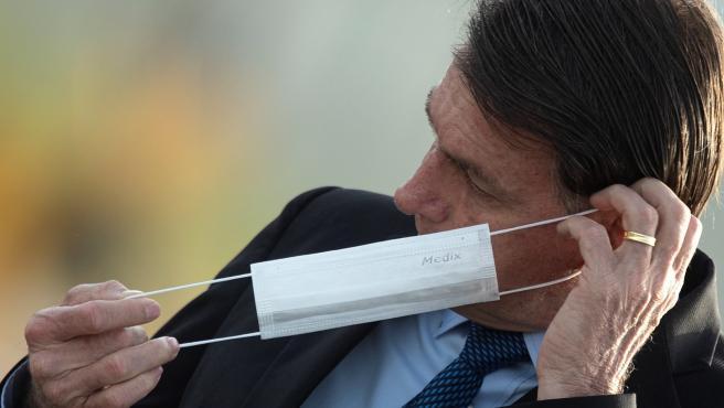"""Durante los últimos meses, Bolsonaro ha desafiado casi a diario al virus, al que llegó a calificar de """"gripecita"""""""