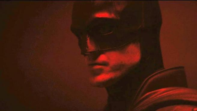 Estreno en EE UU: 1 de octubre, , Aunque Robert Pattinson se esté pasando estos días metido en su Batcueva particular, sigue pendiente de estreno la película de Matt Reeves que pondrá en escena a una buena parte de sus villanos y su 'Bat-familia', incluyendo a Zoë Kravitz como Catwoman y Colin Farrell como Pingüino.