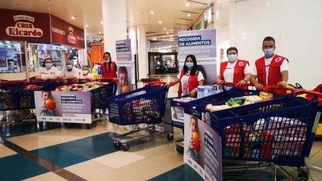Cruz Roja repartirá cerca de 38.000 kilos de alimentos entre 2.420 familias canarias