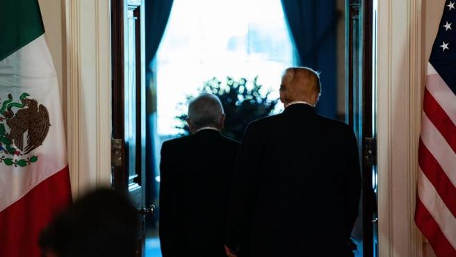 Los presidentes de EE UU y México, Donald Trump y Andrés Manuel López Obrador, al acabar su conferencia de prensa conjunta, en la Casa Blanca.