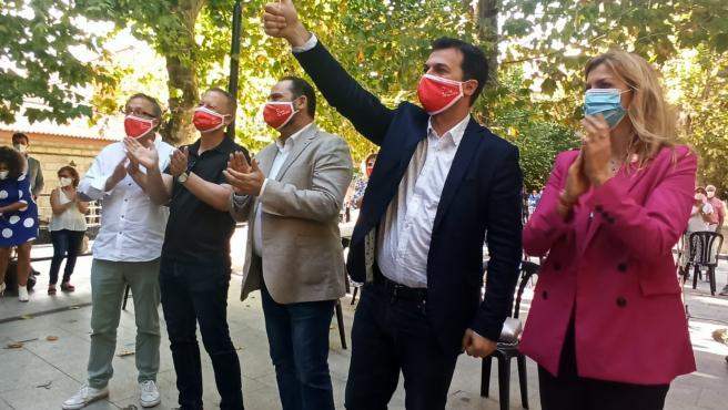 El ministro de Transportes, José Luis Ábalos, y el candidato del PSdeG a la Presidencia de la Xunta, Gonzalo Caballero, en un mitin en Ourense