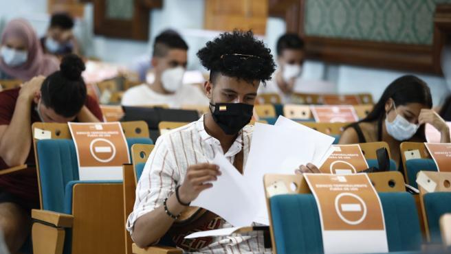 Examen de la EBAU en la UNED Almería