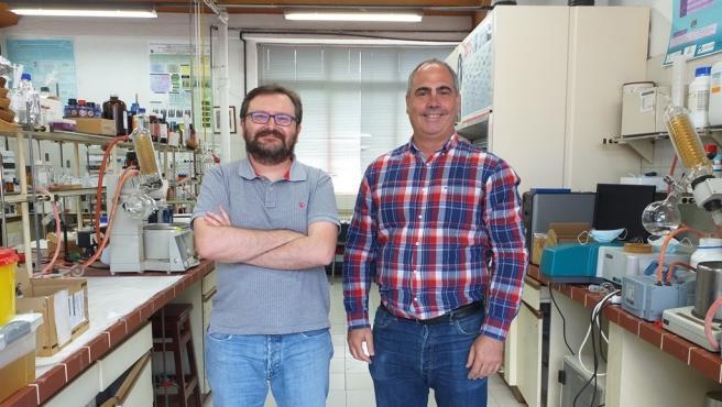 Iván Lavandera García y Vicente Gotor Fernández, investigadores de la Universidad de Oviedo.