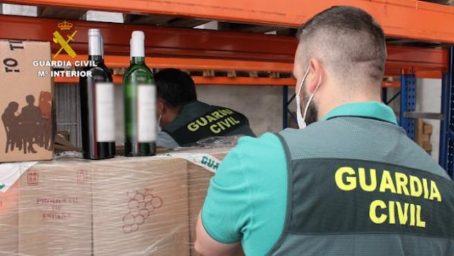 La Guardia Civil desarticulado una red de estafadores de vino