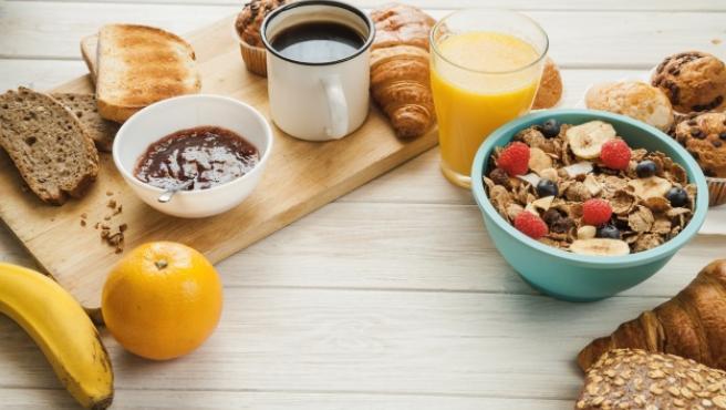 En verano, son muchos los que disfrutan de desayunos más largos.