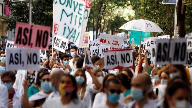 Los médicos residentes (MIR) se manifiestan en la Consejería de Sanidad de la Comunidad de Madrid.