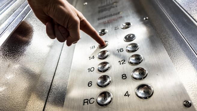 Las personas que tienen fobias a los ascensores suelen padecer síntomas ansiosos que les impiden coger al ascensor con normalidad.