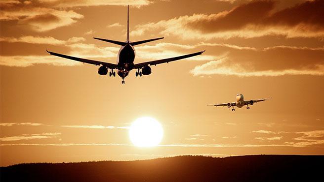 Las emisiones de la aviación comercial crecieron un 130% en las dos últimas décadas.