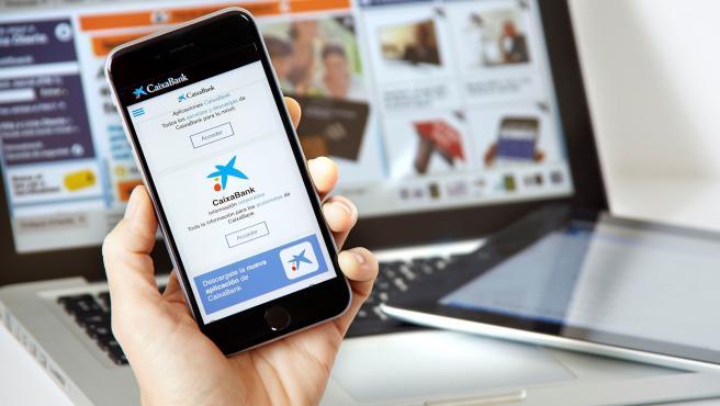 CaixaBank alcanza los siete millones de clientes digitales, superando los 114.800 en Aragón.