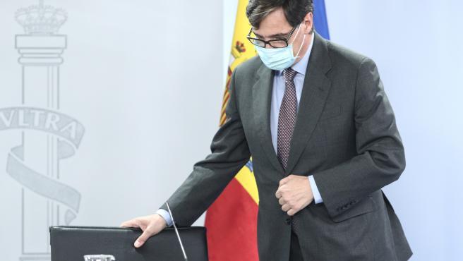 El ministro de Sanidad, Salvador Illa, momentos antes de comparecer en rueda de prensa posterior al Consejo de Ministros celebrado en Moncloa, Madrid (España), a 14 de julio de 2020.
