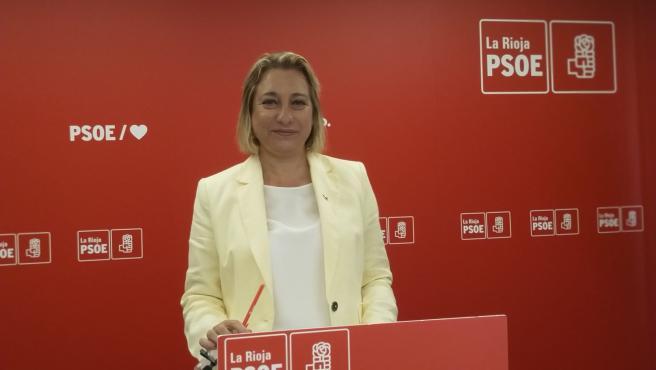 La senadora del PSOE, María Victoria de Pablo, en comparecencia de prensa