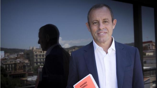 """Sandro Rossell presenta su libro """"Un fuerte abrazo""""."""
