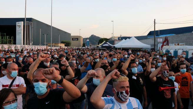 Manifestación de los trabajadores de Nissan ante la planta de Montcada i Reixac, el pasado 10 de julio.