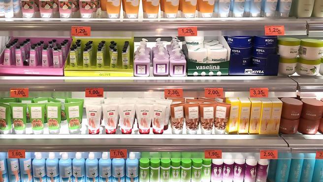 Crema de Manos con Aceite de Oliva, disponible en la sección Perfumería de Mercadona.