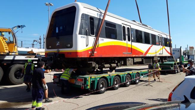 Traslado de los trenes diésel vendidos a Kenia Railways